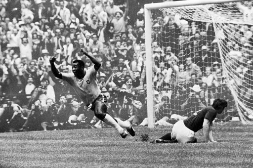 Soccer World Cup 1970 Npel Scores BrazilS First Goal Against Italy During The 1970 World Cup Held In Mexico Rolled Canvas Art - (24 x 36) d4f2c3f8fdb82a4040401694f02c71c5