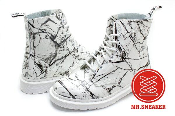 ☆Mr.Sneaker☆Dr.MartensPascal八孔大理石裂紋馬汀皮革白色女款