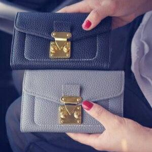 <br/><br/>  美麗大街【PCY22020023】 2017熱賣新款女士錢包PU金扣兩折閒休錢夾女式潮流錢包零錢包<br/><br/>