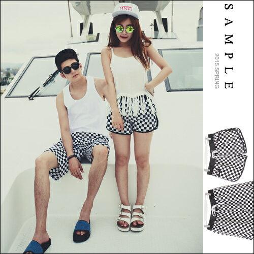 現貨 情侶款【SA12530】黑白棋盤式格紋海灘褲【Sample】