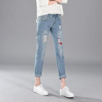 現貨!1件就免運-休閒破洞紅唇牛仔褲九分褲 2色 26-34W /  樂天時尚館。 3