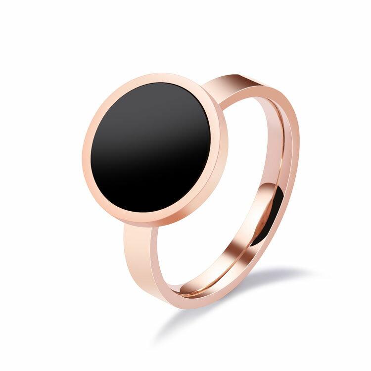 【5折超值價】時尚精美極簡圓牌造型女款鈦鋼戒指 - 限時優惠好康折扣