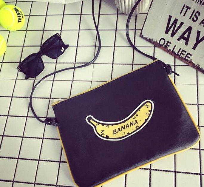直購 【JP.美日韓】韓國 原裝版本 小香蕉 男 側背包 手拿包 腰包 外出 旅行包 化妝包 男 側背包 手拿包