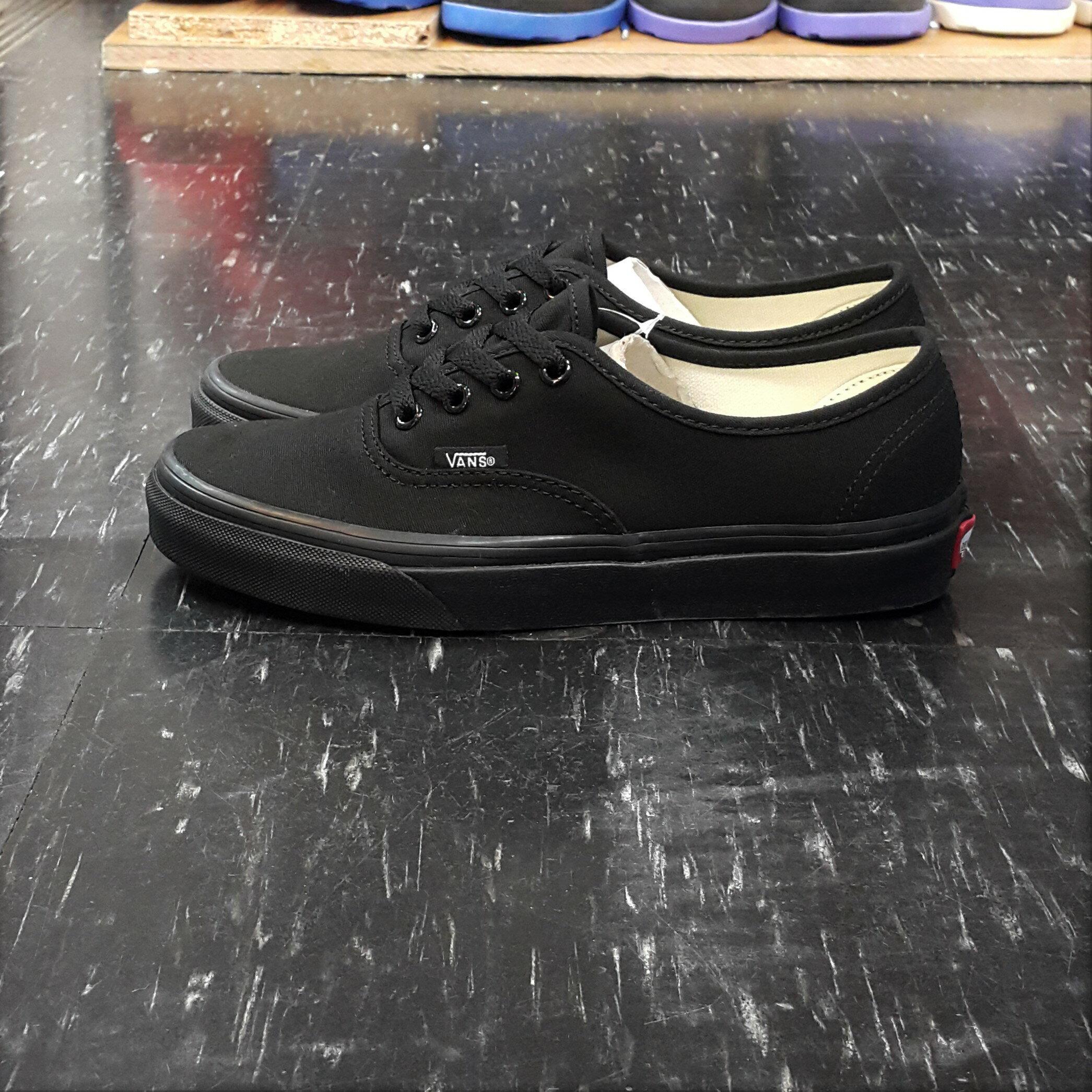 VANS Authentic BLACK/BLACK 黑色 全黑 帆布 基本款 經典款 滑板鞋 VN000EE3BKA