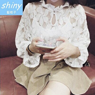 ~V4954~shiny藍格子~ . 蕾絲鏤空花朵圖案寬鬆娃娃衫上衣