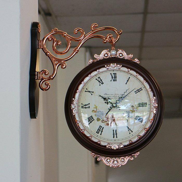 【尚品傢俱】807-65 雅典 雙面造型壁掛鐘/藝術吊鐘/美術時鐘/精品時計/美型飾鐘/經典時刻鐘/精緻壁鐘