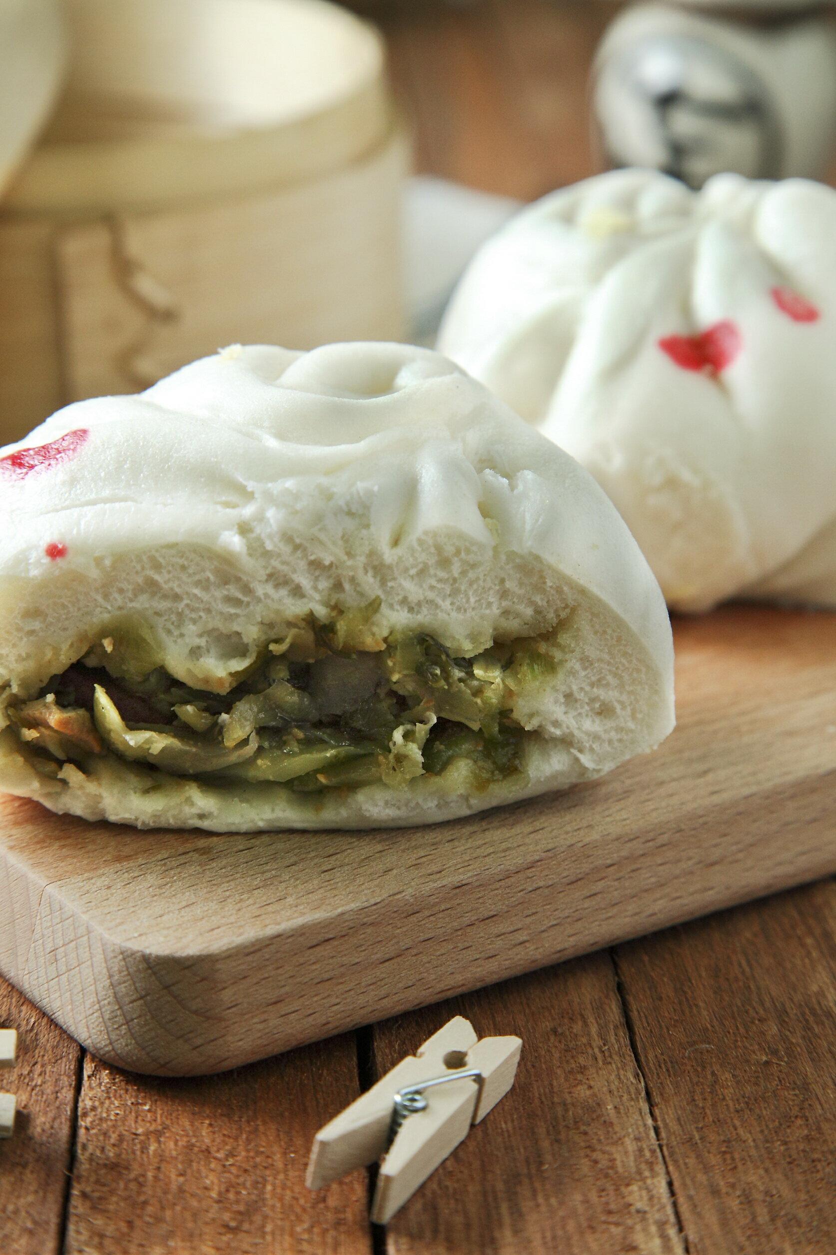 [ 愛上和平 Love&Peace] 純手工台灣酸菜包,嚴選台灣客家酸菜,在地四十年各大專業品牌客製,破例網路平價開賣,c/p值超高。