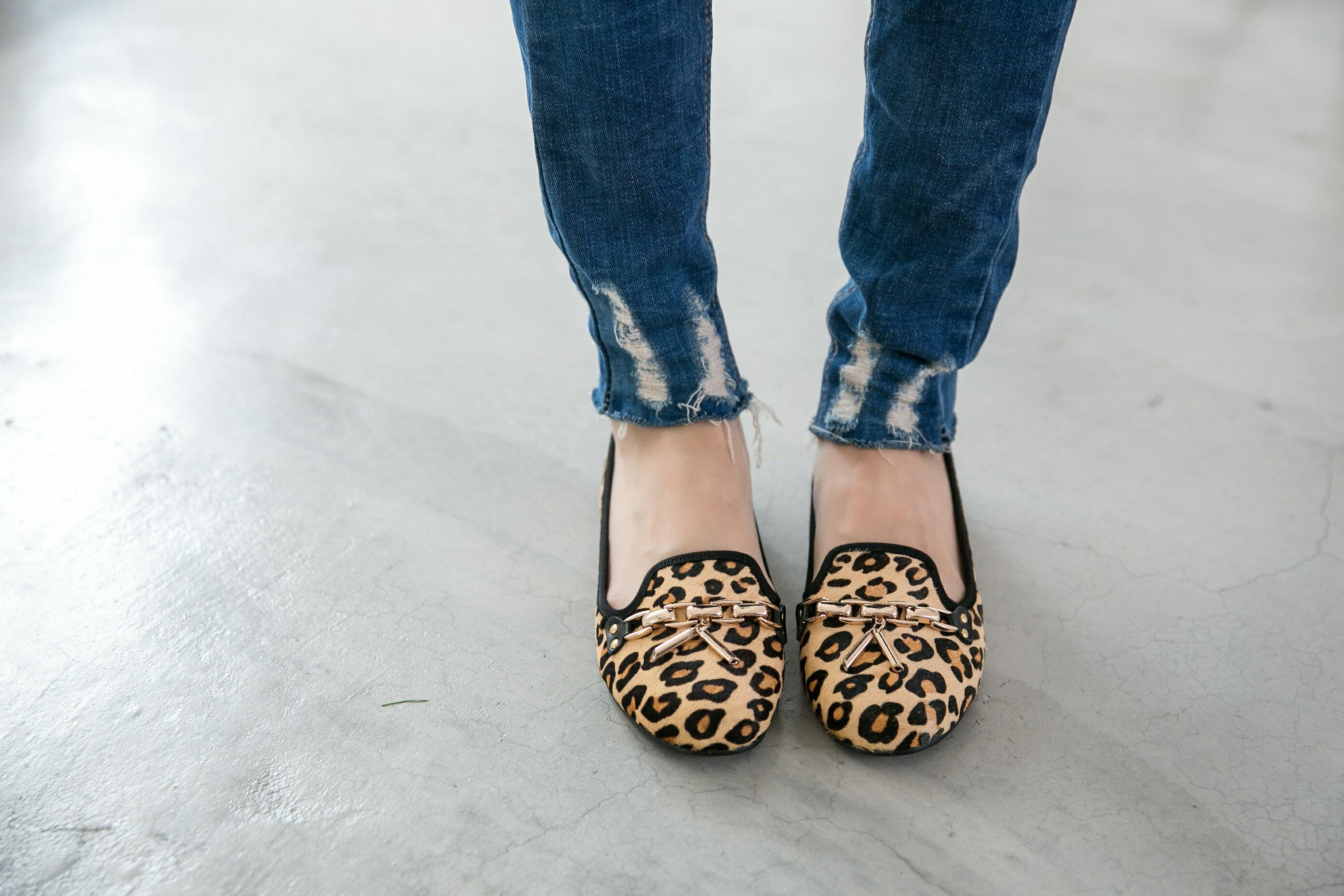 Aimez La Vie 真皮馬毛豹紋金屬鍊樂福鞋 3