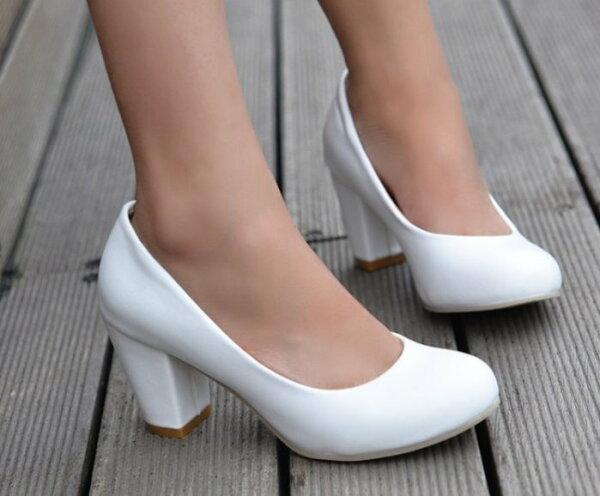 Pyf♥素色皮面基本款高跟鞋加大上班鞋粗跟超穩舒適47大尺碼女鞋