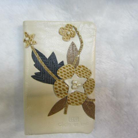 ~雪黛屋~CL 中型皮夾 專櫃100%真皮中型皮夾立體花流線 風格暗釦型對折式主袋口WVR