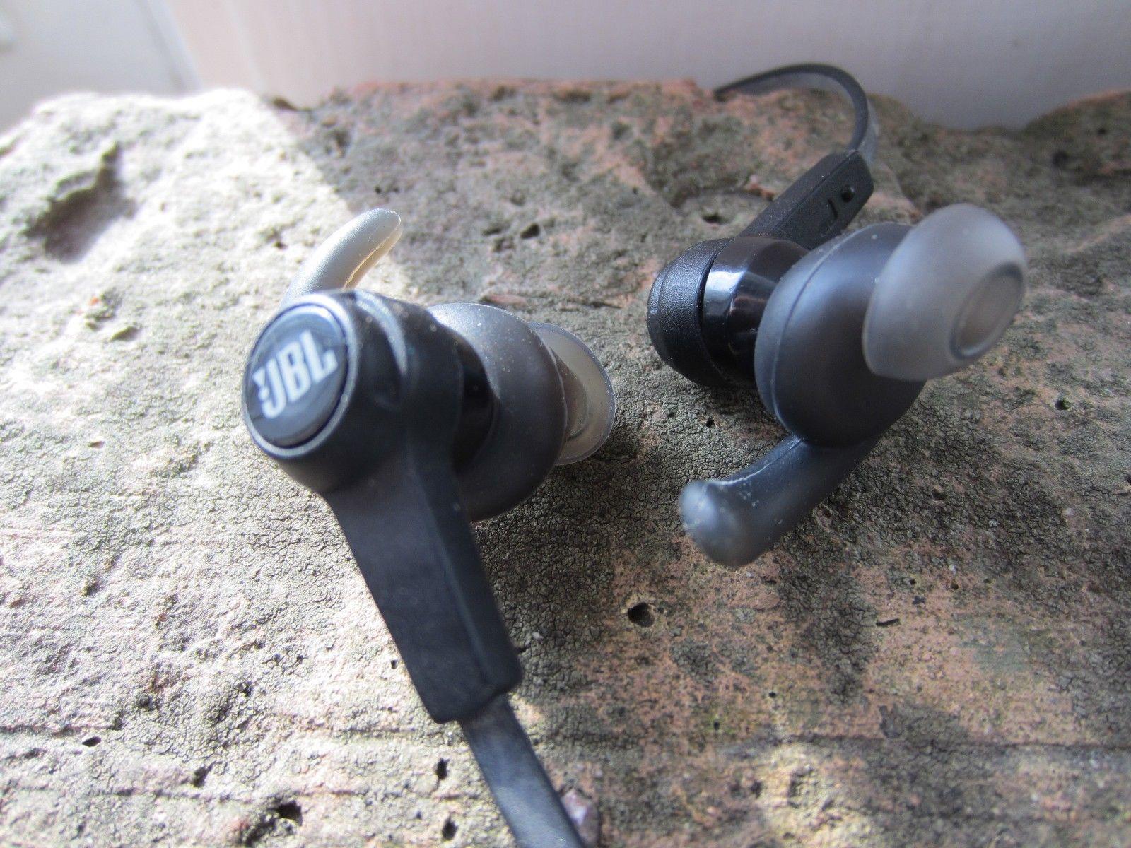 753e3cd70e8 Grab Wireless: NEW JBL Synchros Reflect In-Ear Sport Headphones W ...