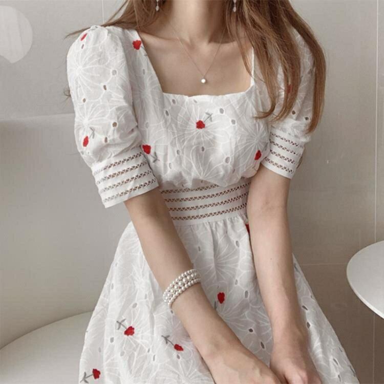泡泡袖洋裝 裙子2021年新款夏天甜美重工刺绣显瘦方领镂空收腰泡泡袖洋裝女