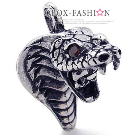 《QBOX》FASHION飾品【W10021499】精緻個性眼鏡蛇王鑄造316L鈦鋼墬子項鍊