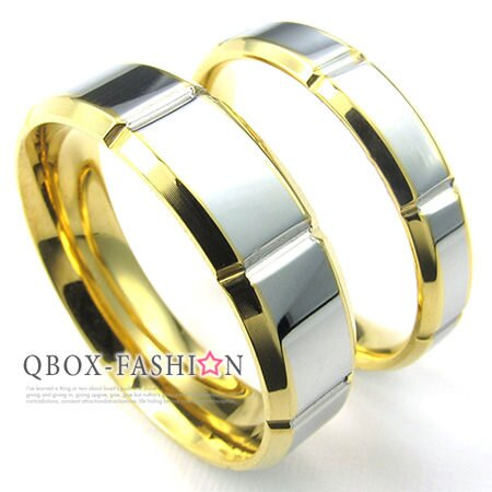 《 QBOX 》FASHION 飾品【W10024217】精緻情侶素面凹紋金色內圈316L鈦鋼對戒指/戒環(男/女款)