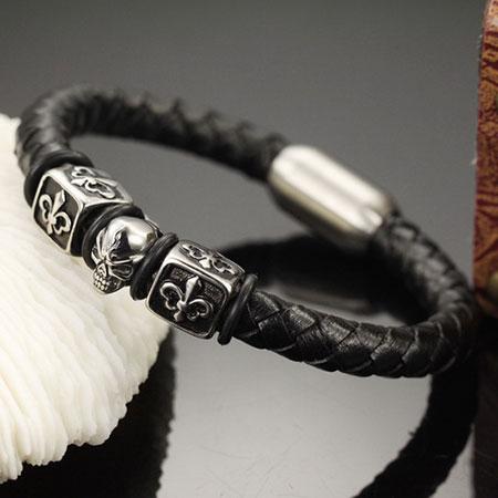 《QBOX》FASHION飾品【W2015N942】精緻個性龐克風方塊骷顱頭編織皮革316L鈦鋼手鍊手環(推薦)