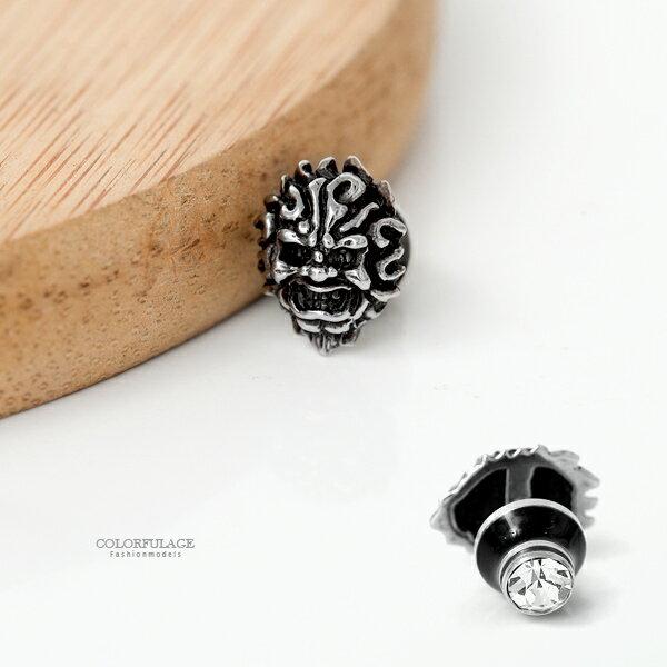 耳環 雕紋臉譜文化鋼製耳針【ND500】柒彩年代