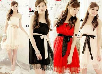 天使嫁衣:天使嫁衣【HL2232】4色中大尺碼仿綢緞弧度裙擺邊腰間綁結洋裝小禮服˙現貨