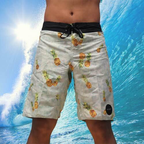"""【5折出清↘】REEF 夏日最夯的REEF 夏威夷鳳梨海灘衝浪褲.PINEAPPLE黃《全店滿 899 用APP結帳 輸入""""Lovemom"""" 現折100》"""