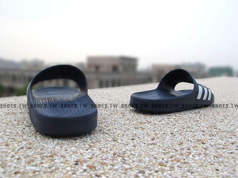 Shoestw【G15892】ADIDAS DURAMO SLIDE 拖鞋 一體成型 深藍白條 男女都有 2