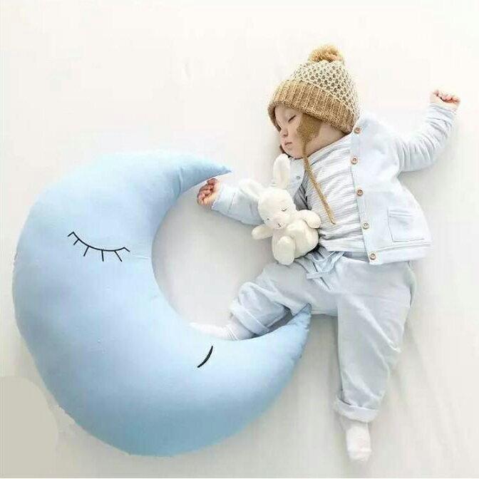 北歐風藍色月亮抱枕    星星  月亮  寶寶  孕婦枕  多  哺乳枕  靠腰枕  午睡枕  肩頸枕  護腰枕  枕頭  棉被~葉子小舖~
