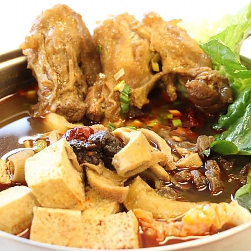 麻辣羊三寶鍋 (每份2.7公斤±3%) 【阿寬羊肉爐】特製麻辣獨門麻辣醬+新鮮蔬果高湯特製而成