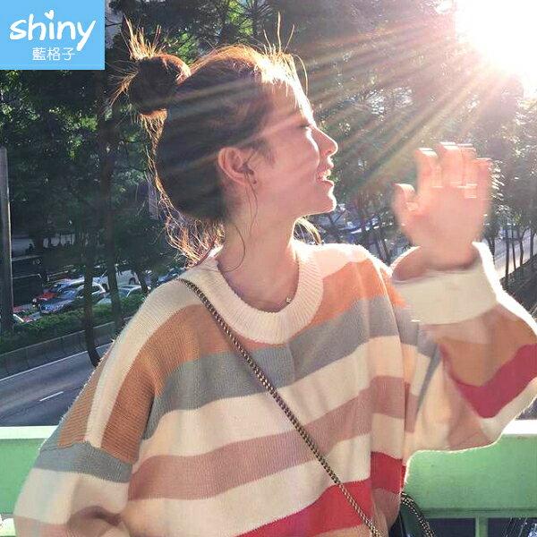 甜美主題.彩虹條圓領針織長袖上衣- shiny藍格子【V3032】 0