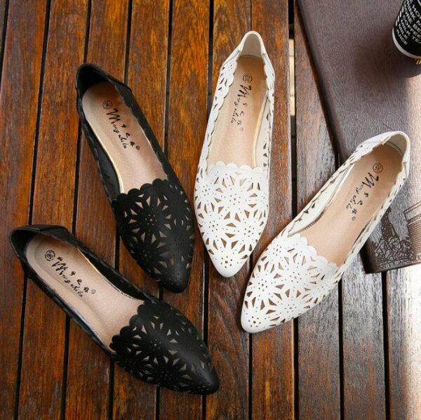 Pyf♥超美花形簍空樂福懶人鞋透氣平底休閒鞋超軟上班鞋42大尺碼女鞋