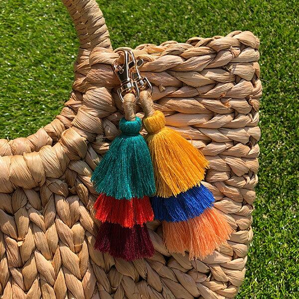 單束草編包手工掛飾彩色毛球流蘇吊飾藤編包籐編包民族風鑰匙圈度假海邊ANNAS.