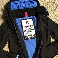 Superdry極度乾燥-女外套/風衣推薦到Superdry (GS5IZ023F2 CSP)女(3拉鍊)原價6800元特價3880元.【119 小鋪】就在119小鋪推薦Superdry極度乾燥-女外套/風衣