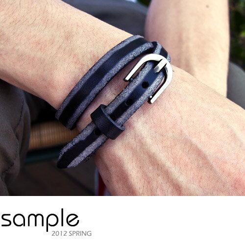 sample:Sample【SA2623】雙色皮帶扣造型皮手環