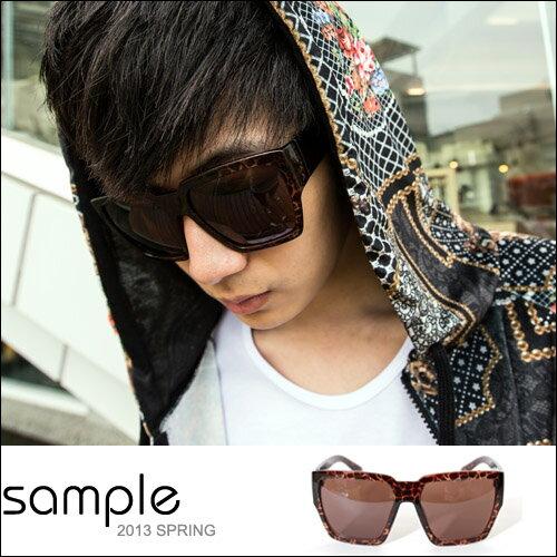 sample:墨鏡【Sample】暗色豹紋梯型設計大鏡面太陽眼鏡【SA4423】