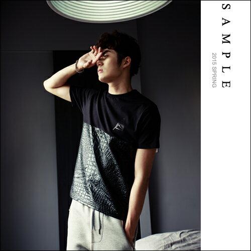 sample:現貨短T【SA12003】韓國製半身爆裂壓紋皮革短袖T恤【Sample】