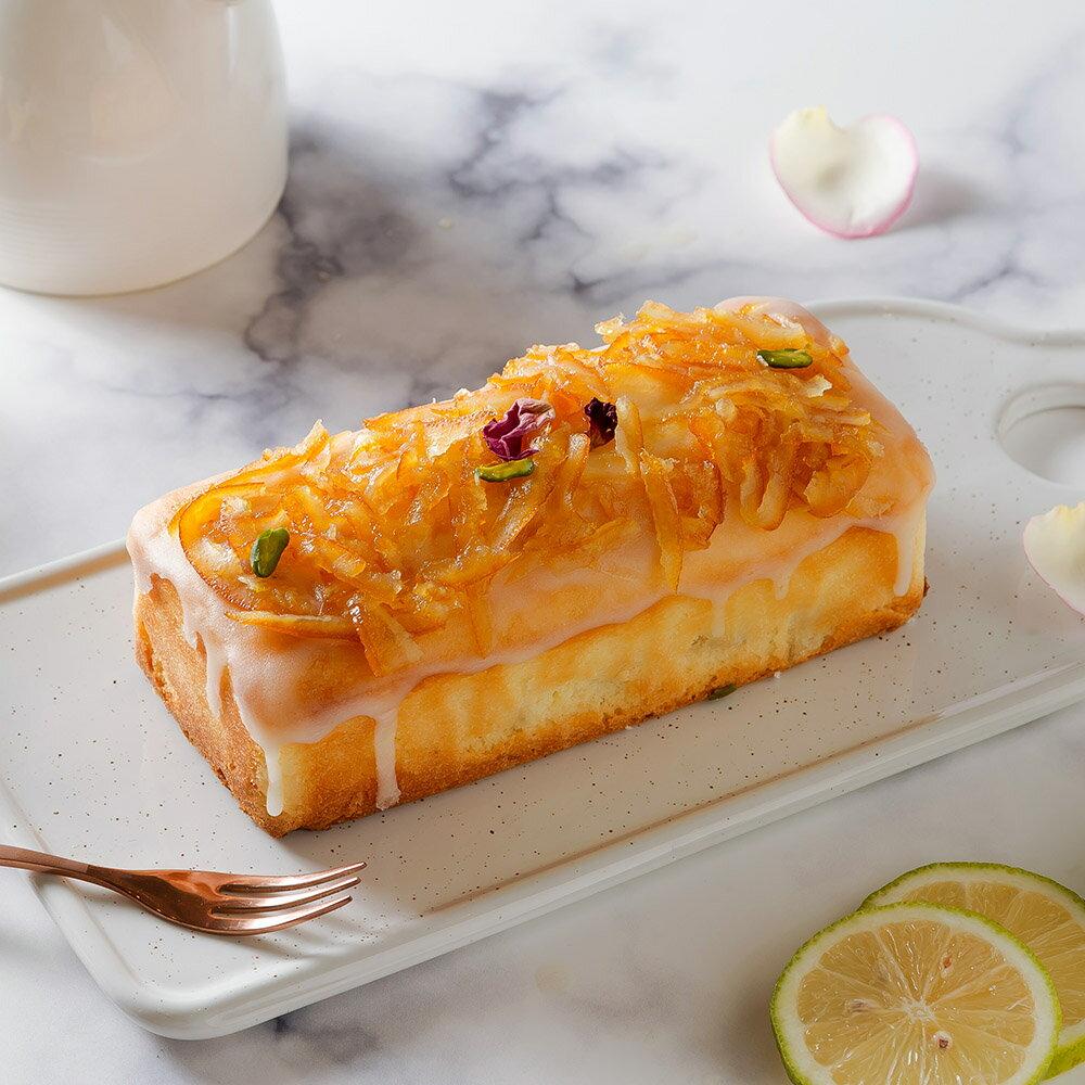 艾波索【香檸蘋果蛋糕】有著夕陽般溫暖的外表,口感扎實如磅蛋糕~香氣十足!