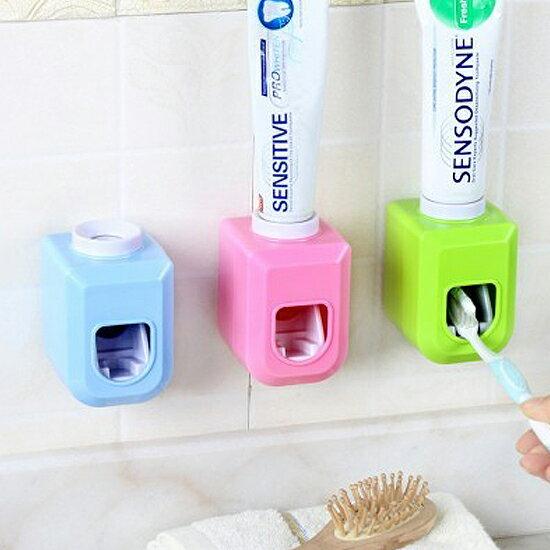 ?MY COLOR?黏貼式自動擠牙膏器 洗漱 衛浴 手動 創意 節約 居家 刷牙 定量 環保 可拆洗【R79】