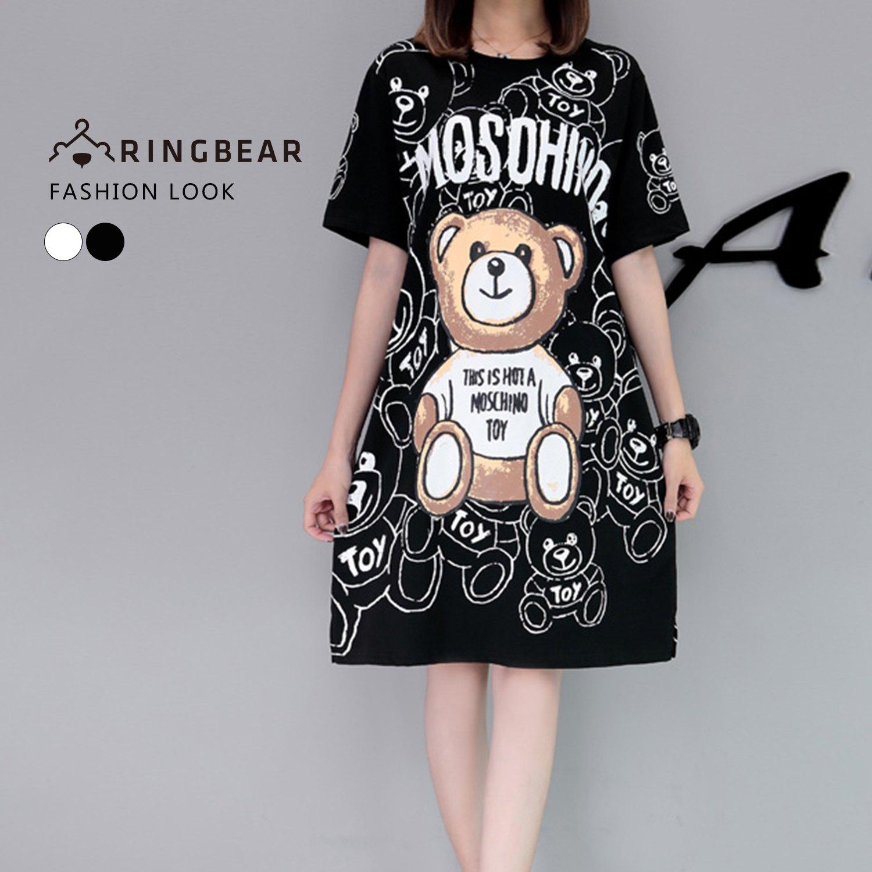 休閒洋裝--可愛滿版熊熊英字印圖圓領短袖開衩下襬長版上衣(白.黑M-3L)-D456眼圈熊中大尺碼 1