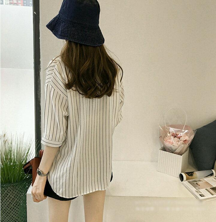 【V2525】shiny藍格子-文青女孩.條紋口袋寬鬆七分袖襯衫上衣 6