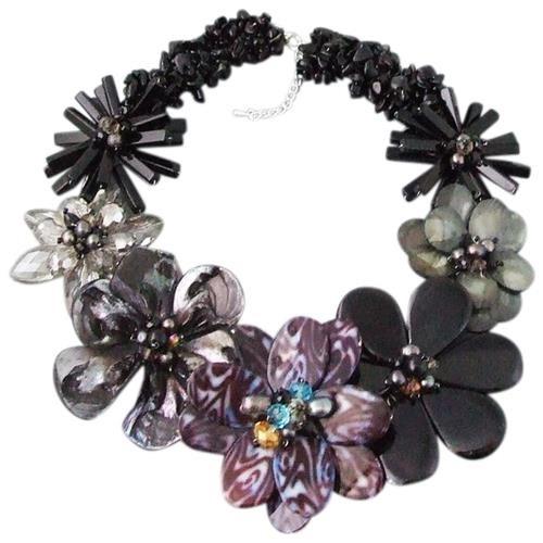 Striking Genuine Mix Blk Stone Flower Garland Necklace 0