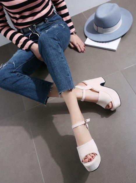 Pyf ♥ 寬版一字 絨面厚底粗跟涼鞋 高防水台 顯瘦修飾比例 43 大尺碼女鞋