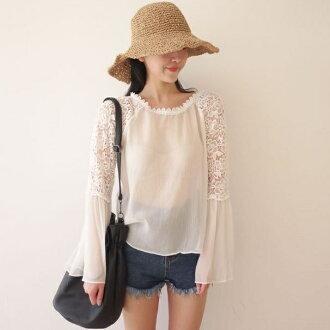 PS Mall 韓版寬鬆蕾絲拼接喇叭袖透視雪紡衫罩衫長袖T恤【T2398】