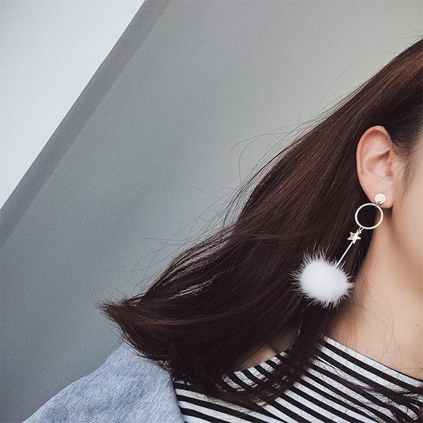 PS Mall 韓版新款百搭五角星毛球耳環 簡約個性幾何吊墜長款耳飾品【G036】 2