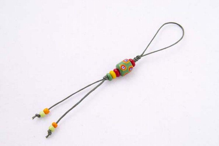 【卡塔】傳統琉璃珠吊飾 綠蟲之珠
