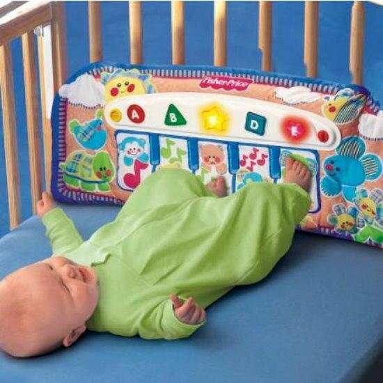 麗嬰兒童玩具館~費雪牌專櫃-小baby的音樂踢踢腳鋼琴.優質床掛玩具 1