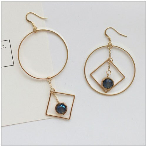 美麗新晴~SE0505~手作鏤空幾何鑲藍寶石不對稱耳環 現 預 ~  好康折扣