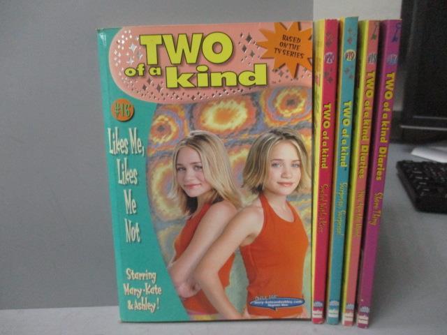 【書寶二手書T2/語言學習_OSW】TWO of a kind Diaries-_Shore Thing_Two for