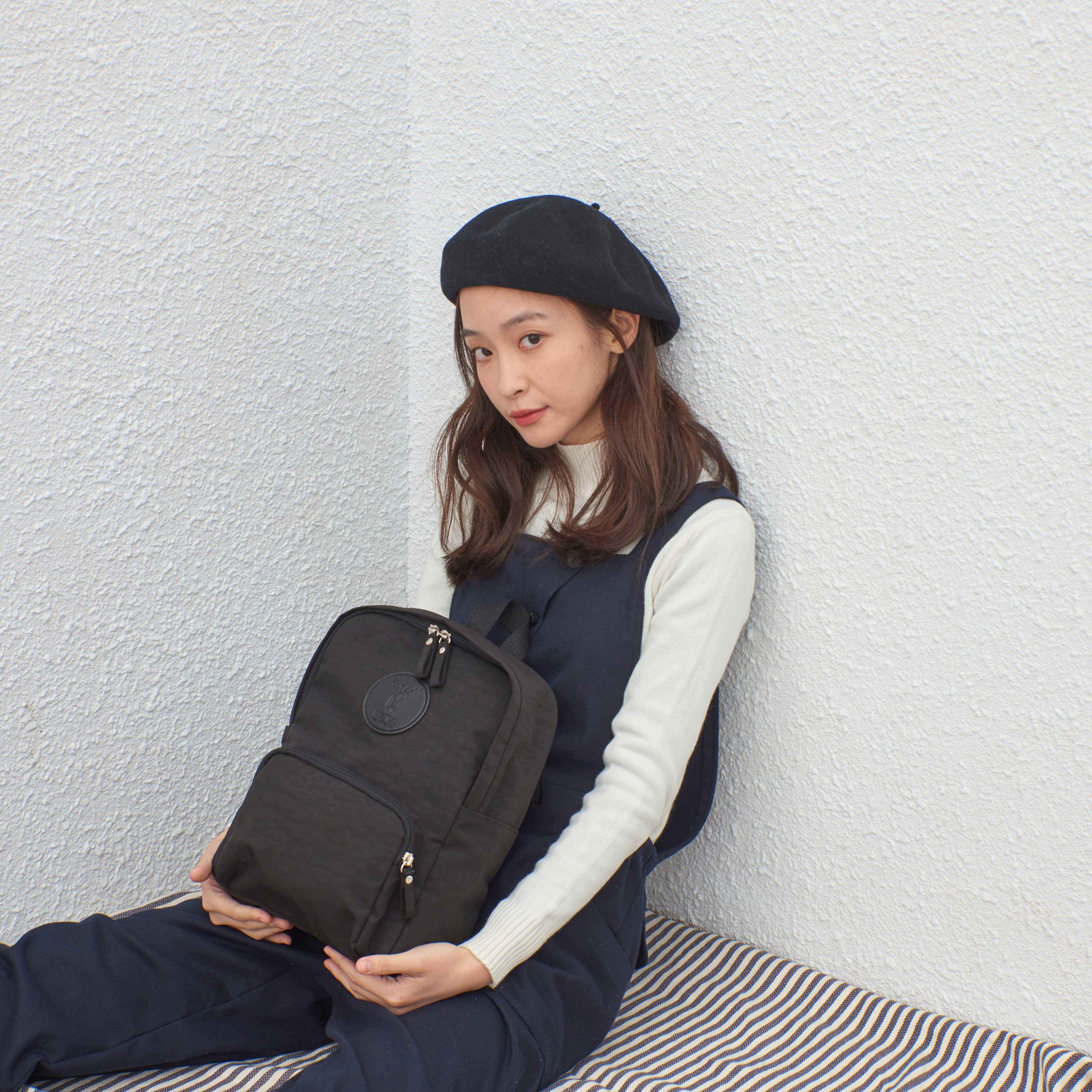 防潑水休閒後背包 / Mini探索後背包 /  Mini  / 黑色【NETTA】 3