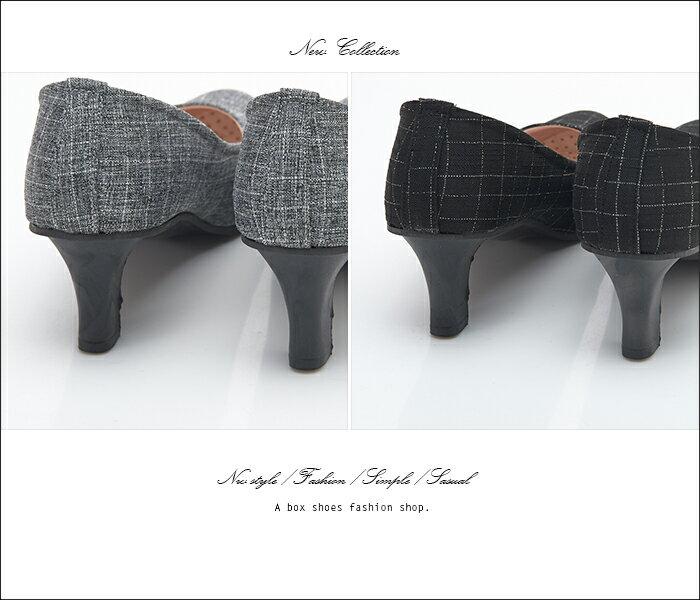 格子舖*【AW706】MIT台灣製 OL上班族必備 時尚經典格紋布面 5CM細中跟鞋 圓頭包鞋 2色 2