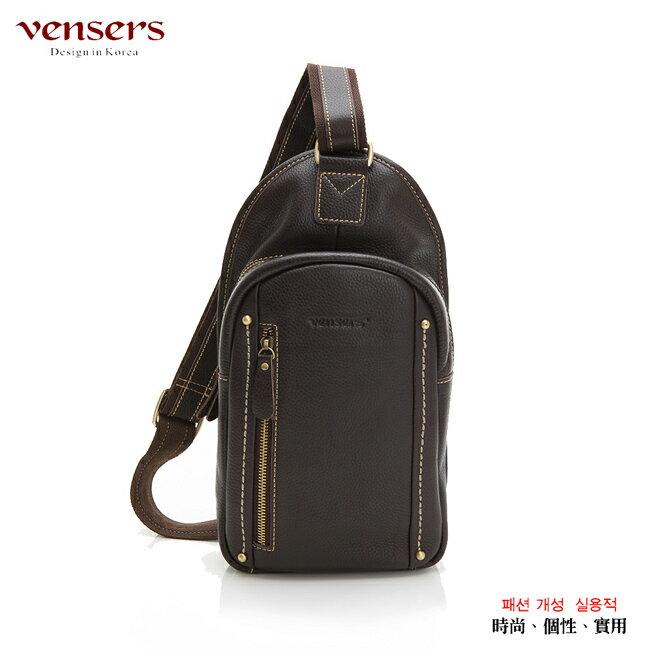 <br/><br/>  【Vensers】小牛皮潮流個性包~胸包(ND965501咖啡荔枝紋)<br/><br/>