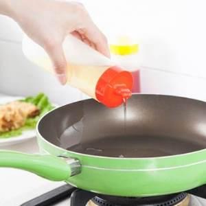 美麗大街【BF302E25】食品級防漏帶蓋醬料瓶廚房番茄??醬塑料沙拉瓶擠果醬瓶