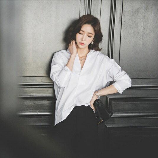 PS Mall  休閒百搭純色寬鬆版型長袖V字領 襯衫~T2791~ ~  好康折扣