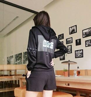 Lucky洋M 年底新款運動加點嘻哈風的外套 可用來當內搭-Lucky洋M